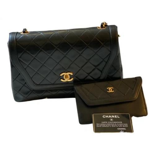 Chanel Timeless/Classique Leather Handbag incl. Mini Clutch